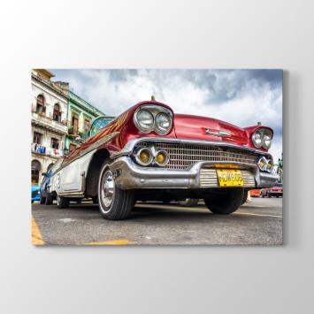 Kırmızı Chevrolet Tablosu