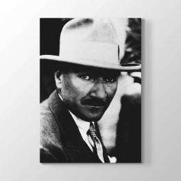 Şapkalı Atatürk Fotoğrafı Tablosu